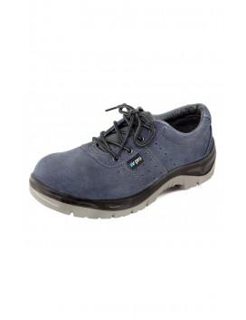Zapato de serraje perforado