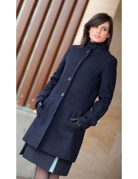 Abrigo mujer corto. Cuello mao